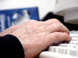 Img manos teclado articulado