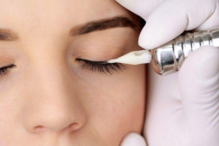 Img maquillaje permanente eye liner art