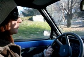 img_mujer conduciendo 3