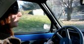 Img mujer conduciendo hd