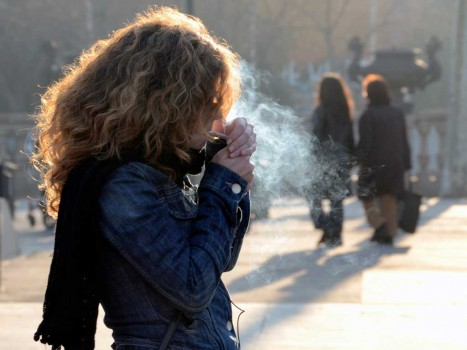 Img mujeres fumar art