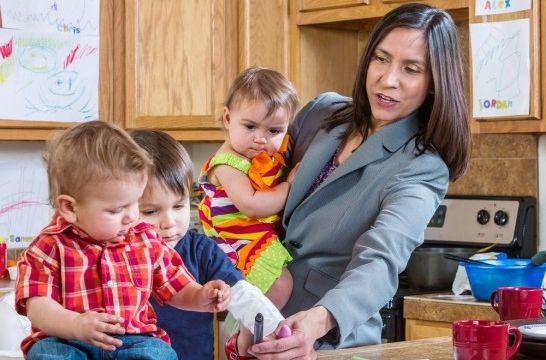 Img mujeres hijos pension dinero listadogrande
