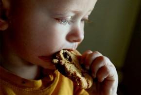Img nene comiendo 4