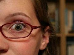 Img nina gafas art
