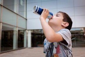 Img ninos bebidas energeticas aguilar