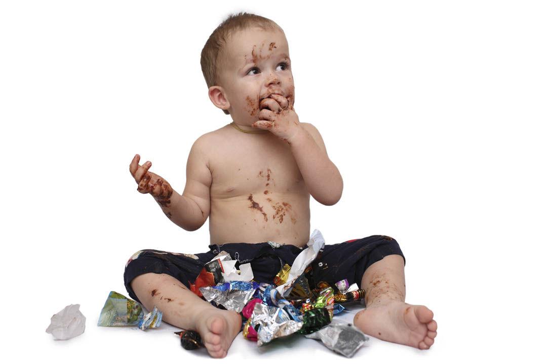 Img ninos comer chocolate hd