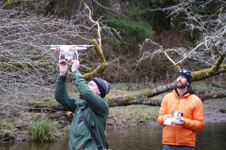 Img pilotos drones grande