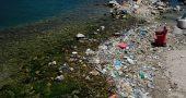Img plastico playa grecia