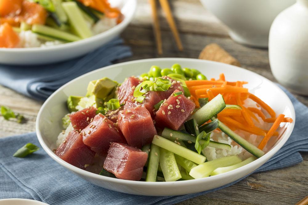 Img poke ensalada pescado crudo hd