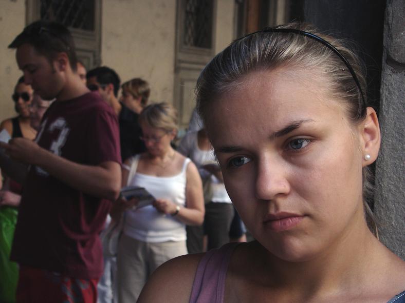 img_rubia triste