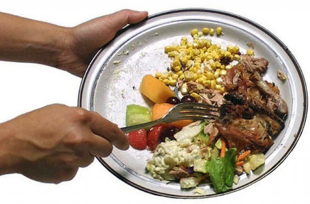 Familias tiran 20% de la comida que compran