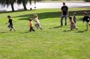 Img verano naturaleza ninos jugar juegos ocio acampadas vacaciones infantil listado