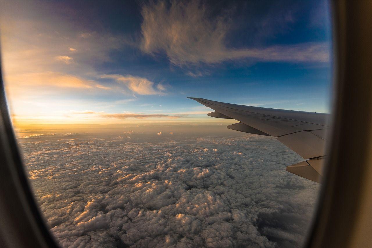 Img viaje avion vuelen derechos hd