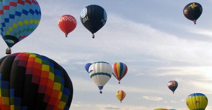 Viajar en globo, helicóptero o avioneta