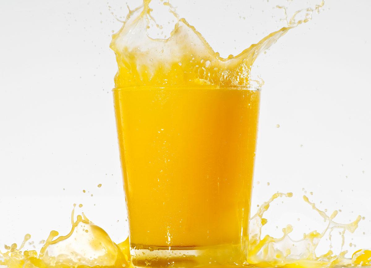 zumo naranja vaso