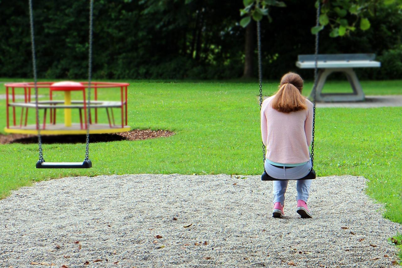Mujer tristeza soledad