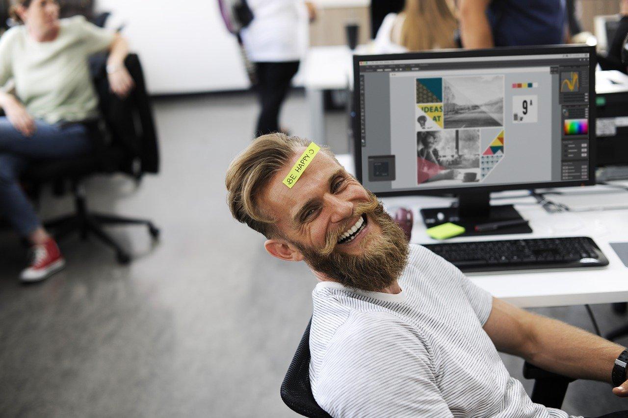trabajador feliz
