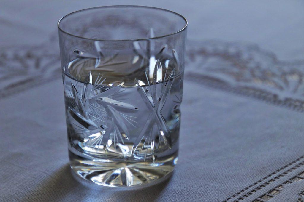 Vaso de agua del grifo