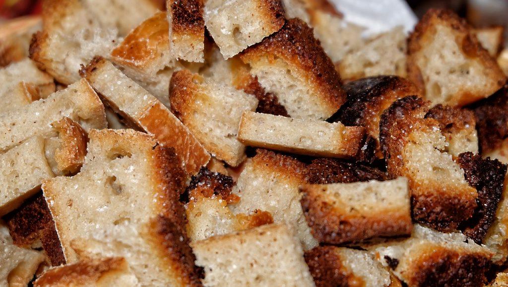 En el manual de supervivencia, nunca pan quemado
