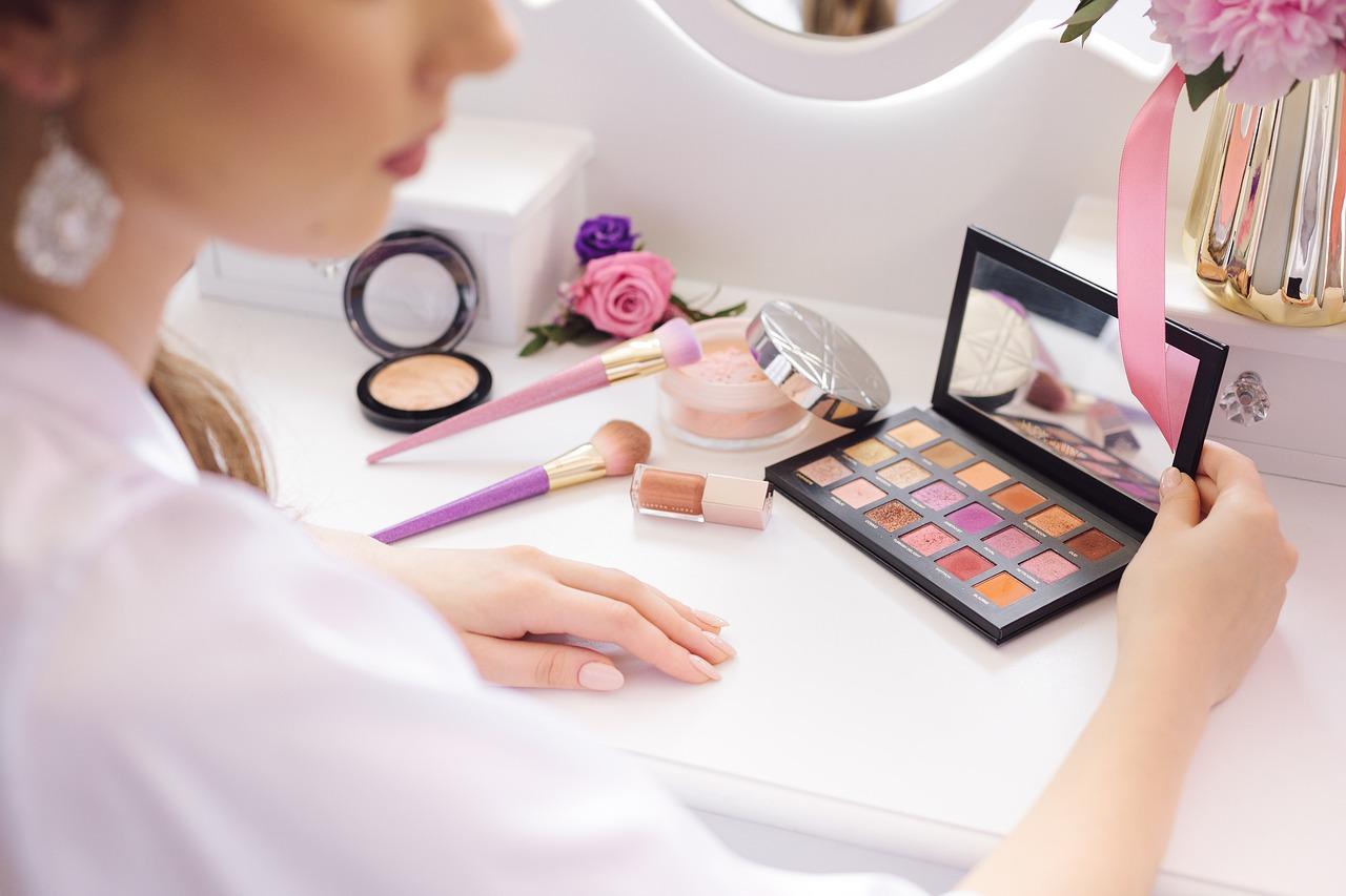 cosmeticos maquillaje sombra cremas
