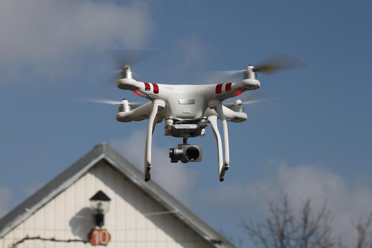 drone camara casa normas multa