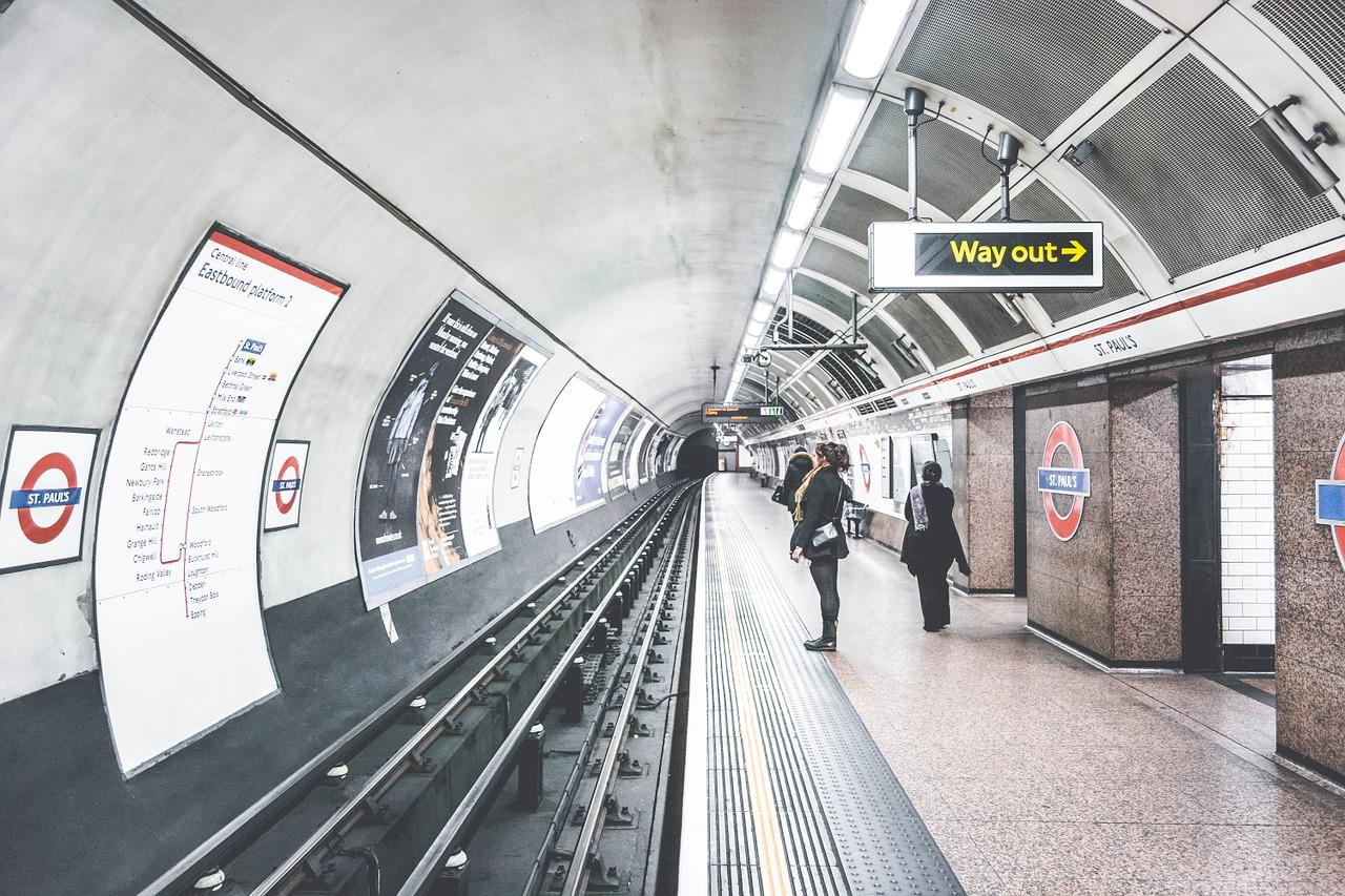 metro londres anden transporte publico