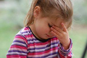 niña preocupada por coronavirus