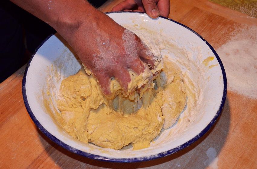 amasar masa pan