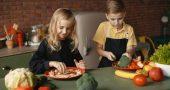 preparar comida familia