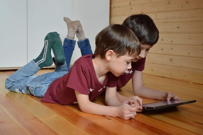 Internet tableta ninoiak