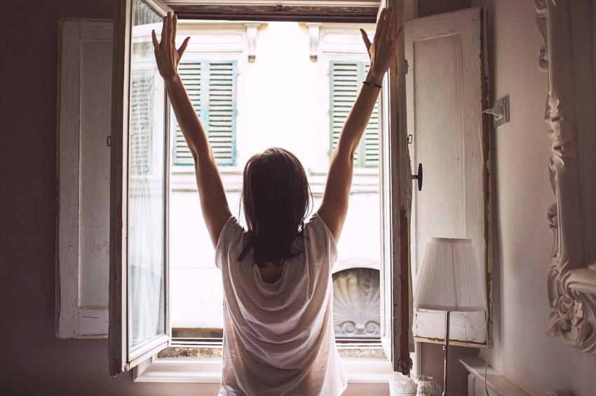 abrir ventana renovar aire