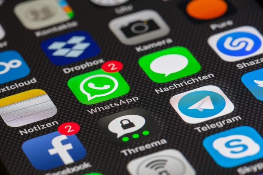 Consecuencias legales de compartir mensaje WhatsApp