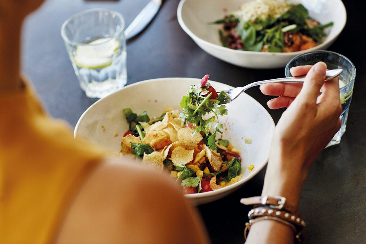 comida consciente vs hambre emocional