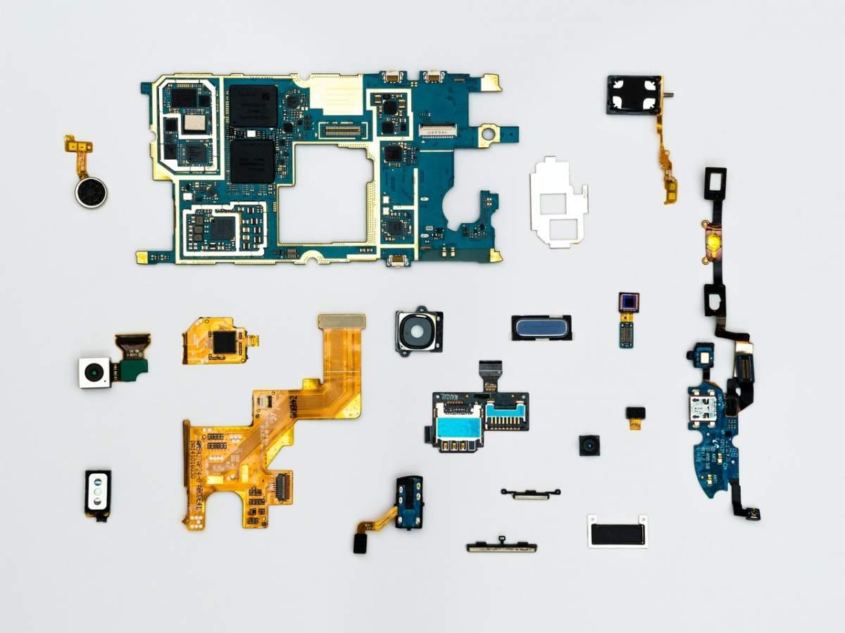 Derecho a reparar: ¿llega el fin del usar y tirar en los electrodomésticos y dispositivos tecnológicos?