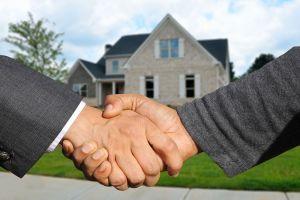 agente inmobiliario para vender piso