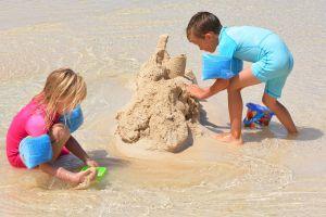 castillo de arena juego verano