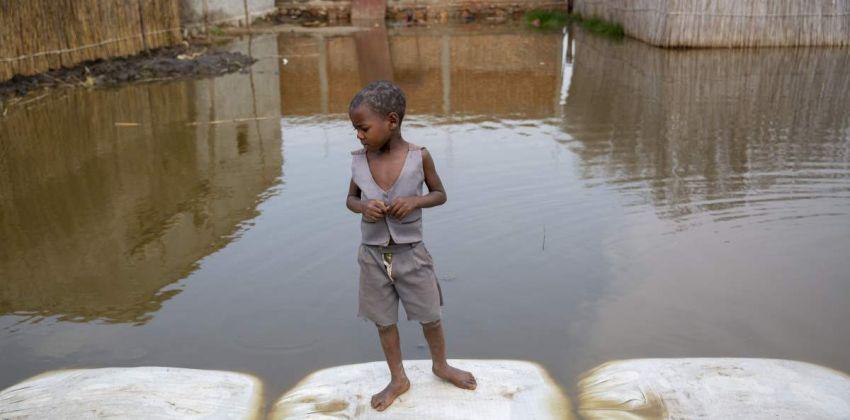 inundacion cambio climatico infancia
