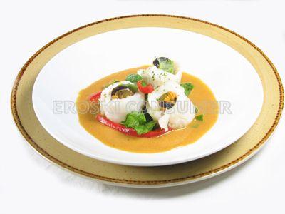 Filetes de merluza con salsa de mejillones