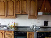 Pros y contras del empleo de muebles de madera en cocinas y baños ...