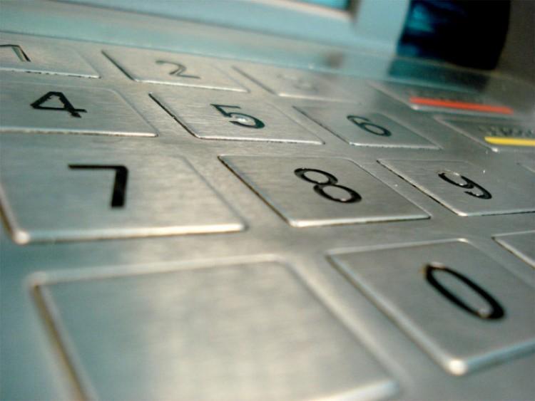 Se puede sacar dinero del cajero sin tarjeta eroski for Cuanto dinero se puede sacar del cajero