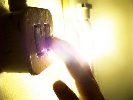 Revisar el interruptor diferencial eroski consumer for Diferencial general electric