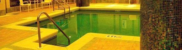 http://static.consumer.es/www/imgs/2009/02/piscina-cubierta1.xl.jpg