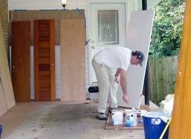 C mo pintar una puerta eroski consumer for Como pintar una puerta de madera ya pintada