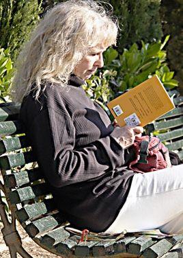 http://static.consumer.es/www/imgs/2009/06/lectora.portadajpg.jpg