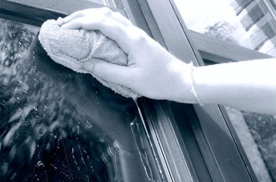 Limpieza: cómo quitar manchas de pintura de los cristales | EROSKI ...