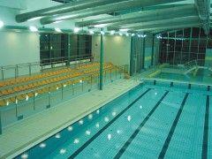 Piscinas cubiertas qu m nimos deben cumplir eroski consumer - Techo piscina cubierta ...