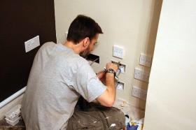 Reparar un enchufe eroski consumer - Poner linea telefonica en casa ...