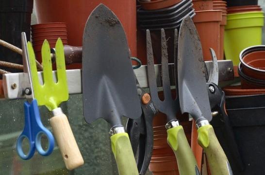 Herramientas b sicas para mantener el jard n en buenas for Herramientas para el jardin
