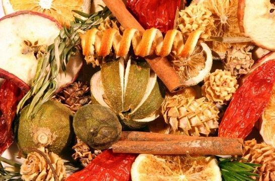 Frutas secas para decorar y aromatizar eroski consumer for Como secar frutas para decoracion