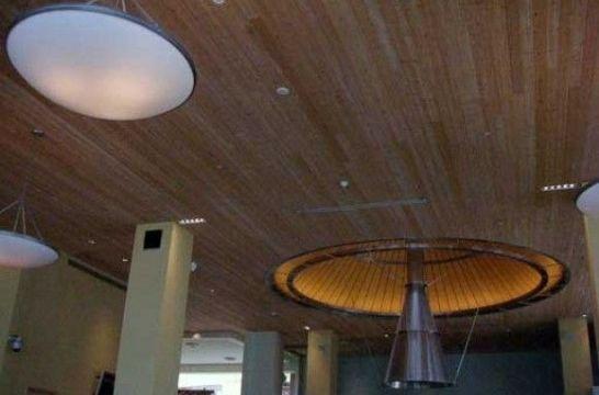 Combinar l mparas modernas con techos r sticos eroski - Ventiladores de techo rusticos ...
